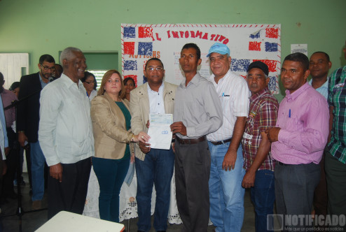 EGEHID entrega 12 millones a productores en Arroyo Cano