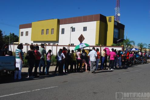 Fila en Junta Municipal de San Juan de la Maguana