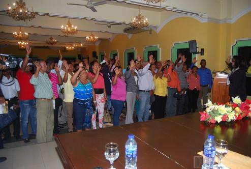 Altagracia Paulino juramenta 14 organizaciones de consumidores en San Juan.