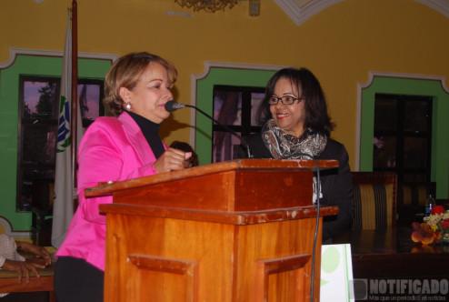 Hanoi Sánchez Recibe Premio de Pro Consumidor