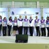 Durante el acto fueron reconocidos con tablet y computadoras los graduados con lauros académicos