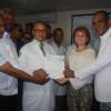 Diputada Lucia Medina entrega cheque en hospital Dr. Alejandro Cabral