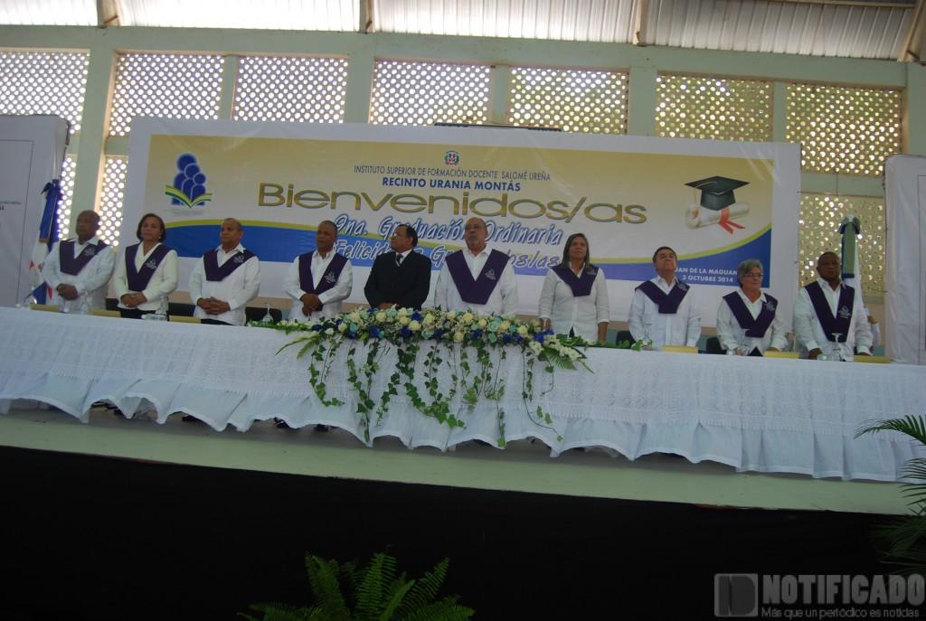 Mesa de Honor en la 9na Graduación Ordinaria del Recinto Urania Montás