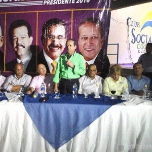 El Procurador General de la República, Lic. Francisco Dominguez Brito, en proselitismo apoyando a Reinaldo Pared Pérez