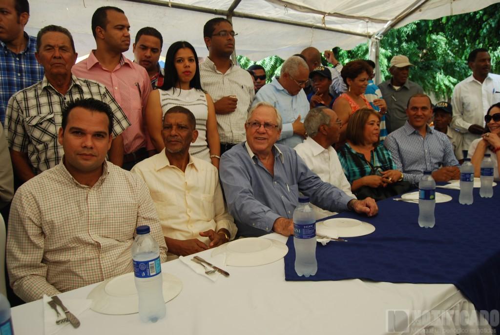 Asistentes al Encuentro con Luis Abinader