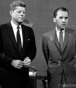 El Senador John F. Kennedy y el Vice-Presidente Richard Nixon, en su debate presidencial por la carrera a ocupar la Casa Blanca