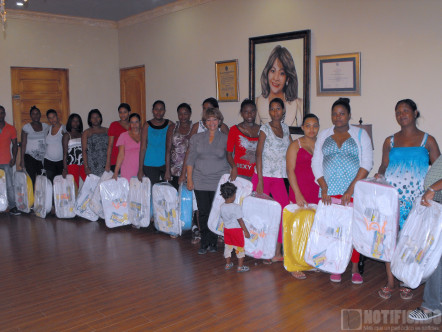Hanoi Sánchez Entrega de Canastillas a Embarazadas